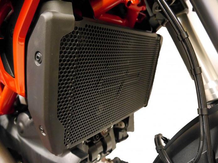 Ducati Hypermotard 939//SP Oil Cooler Guard 2016 Evotech PRN013100